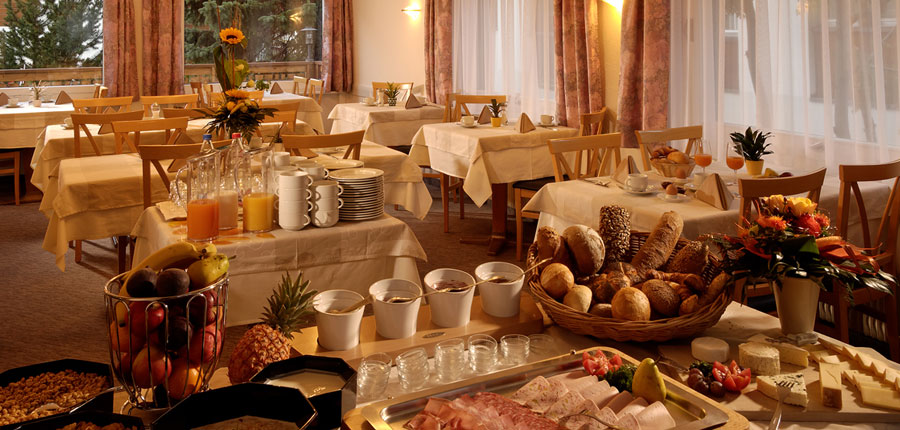 Switzerland_Saas-Fee_Hotel-Park_Breakfast-buffet.jpg